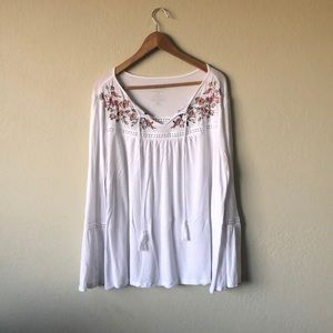 Tops - ◈ Boho Top With Floral Stitching ◈